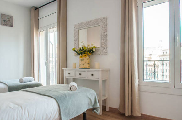 Barcelona Privatzimmer  Bed and Breakfast Aribau Luxury Design. Bed and breakfast in Spain  the perfect holiday destination   Bed